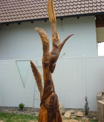 Baumstumpfgestaltung1.jpg