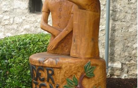 Skulptur Buda1.jpg