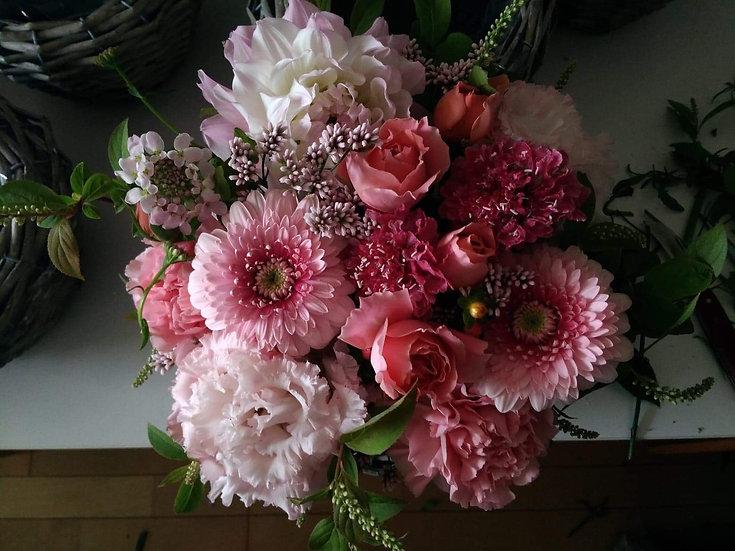 母の日のお花M ピンク系
