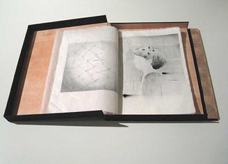 国立・WATERMARK arts&crafts アーティストの「Book」展(仮題)