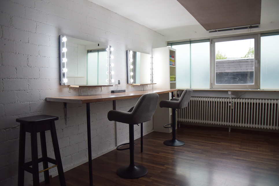 R1 Studio Make-up Raum