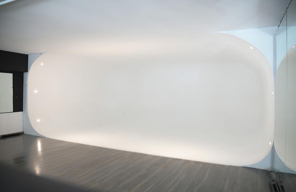 Etienne Mueller Studio R1