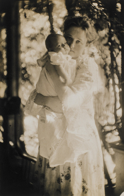 Gertrude O'Malley and son Charles by Gertrude Käsebier, 1900