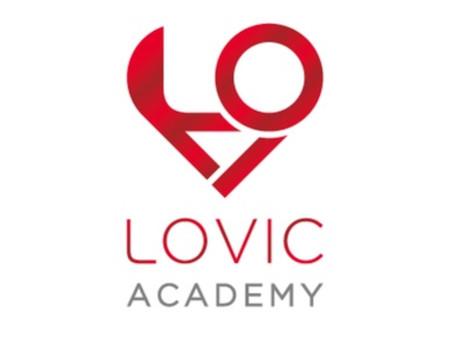 LOVIC ACADEMYに公式LINEができました。