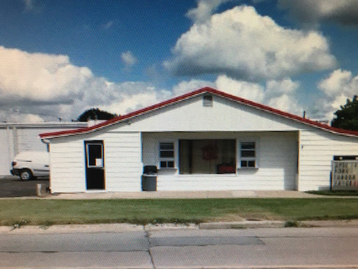 AUCTION    APRIL 17, 2021!  410 N. Bloom St.  Superior, NE