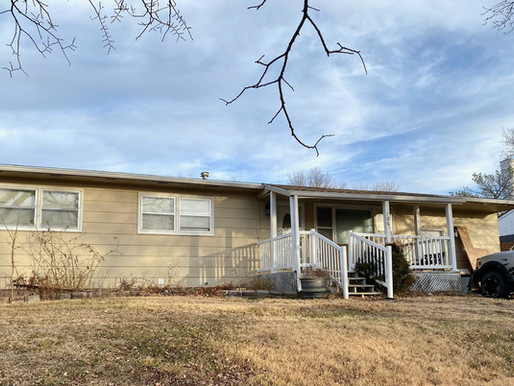UNDER CONTRACT!  706 N. West St.  Mankato, KS