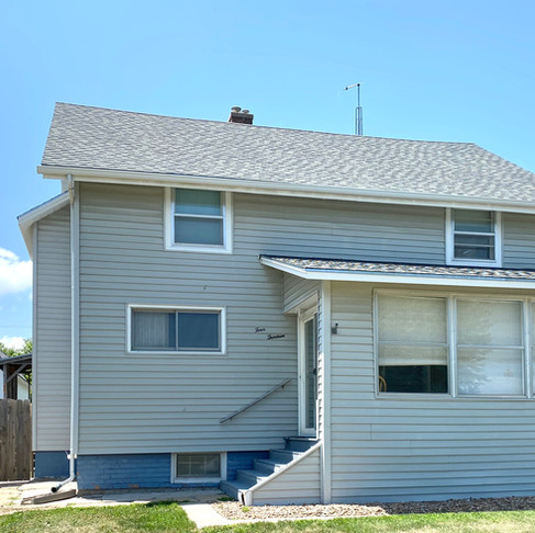 UNDER CONTRACT!  413 N. Commercial  Mankato, KS