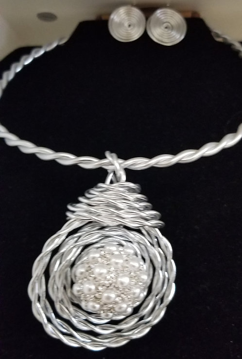 Silver Twisted Pearl Ball