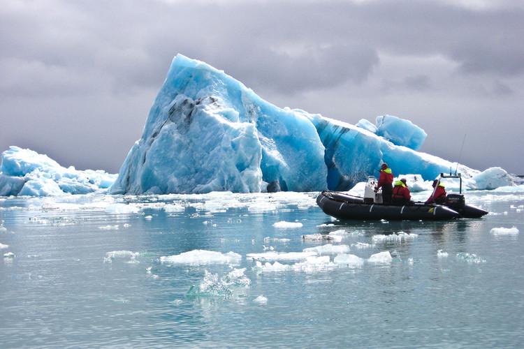 Jökulsárlón glacier lagoon 2.jpg