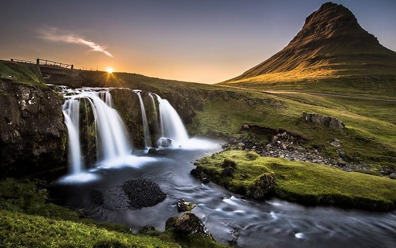 ~The_falls_Gljúfrarbúi_and_Kvernufoss2.j