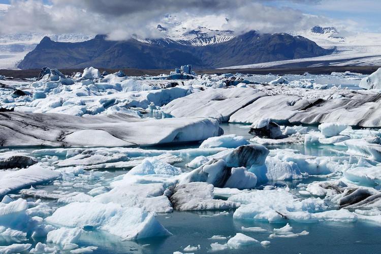 Jökulsárlón glacier lagoon 3.jpg