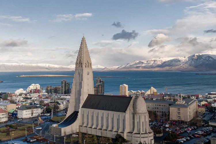 Reykjavik_Hallgrimskirkja-1200x800.jpg