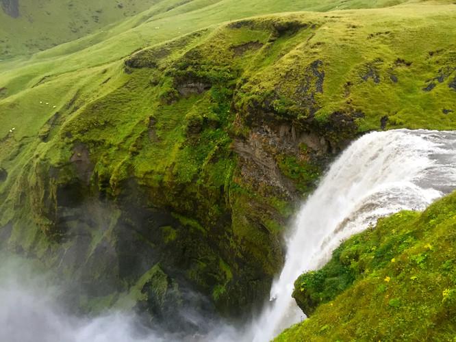 The_Waterfalls_Seljalandsfoss_and_Skógaf