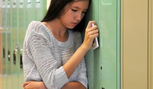 Des crises d'angoisse avant d'aller à l'école, des maux de ventre, des vomissements...