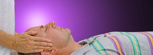 Thérapie énergétique Reiki Tibetain relaxation client homme