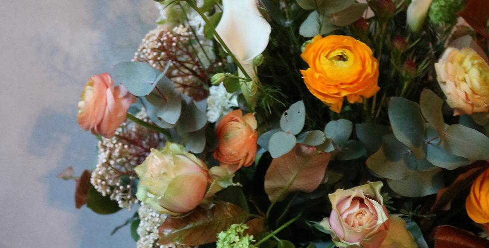 Arreglo floral con base de ceramica