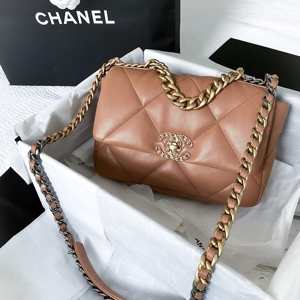Chanel 19 Flap Bag Reviews