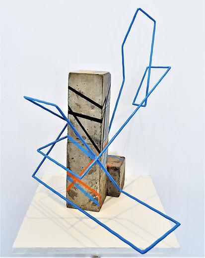 4-cubes-béton-et-1-ligne-bleue-5.jpg