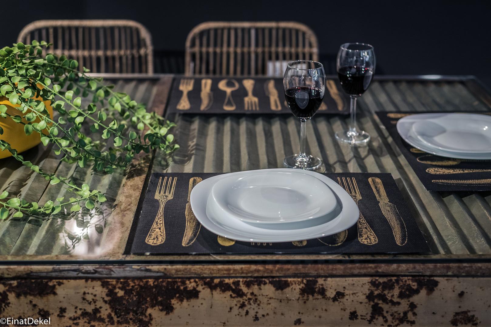 שולחן אוכל פח גלי מפירוקים