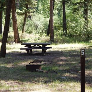 キャンプ場開発