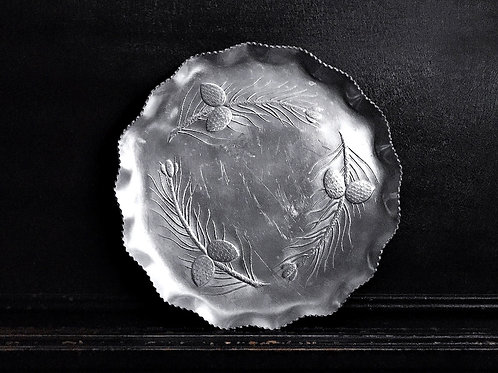 "13"" ALUMINUM PLATTER/PIE PLATE WITH PINECONE MOTIF"