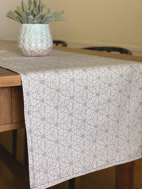 Quest Table Runner