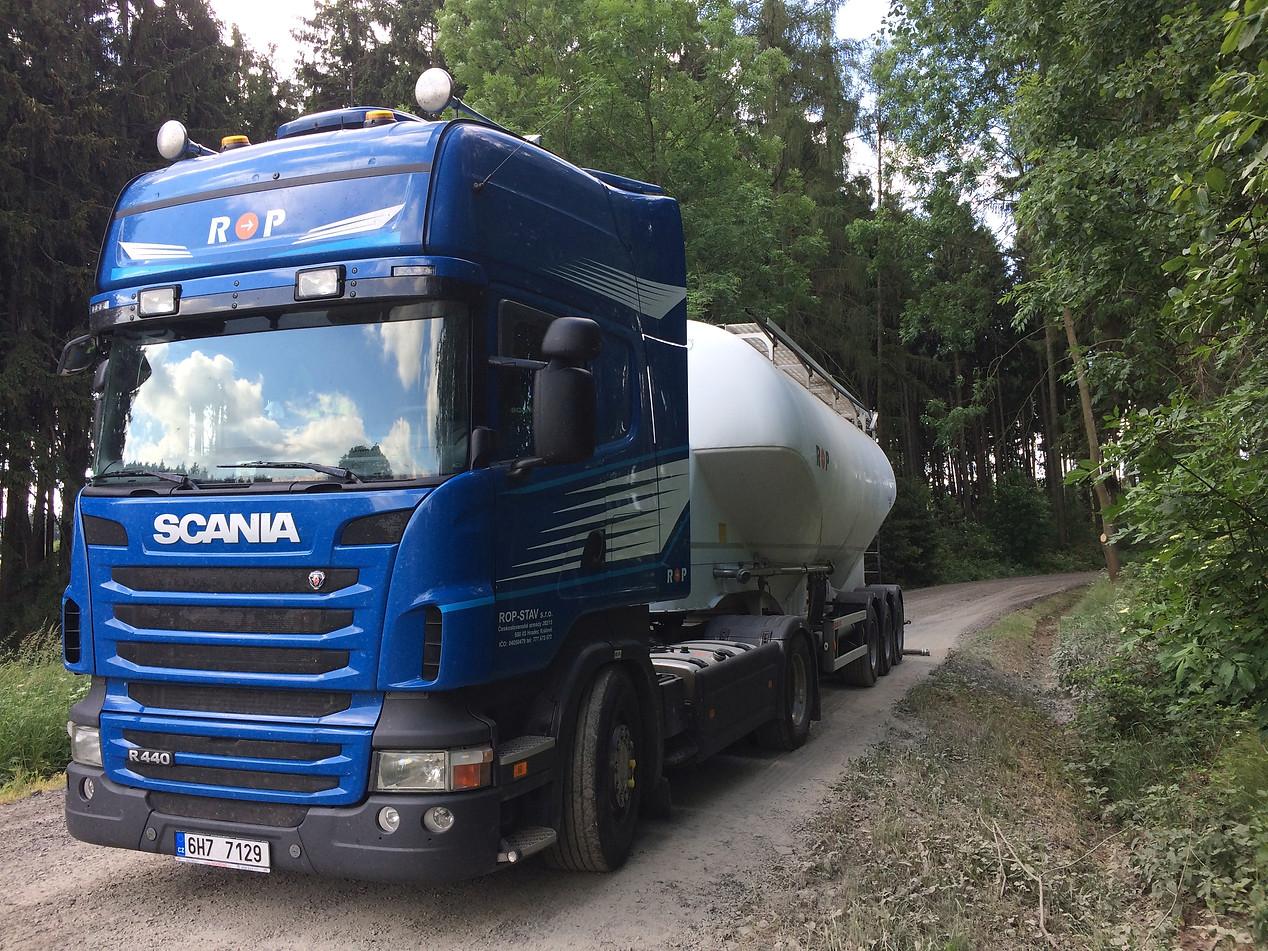 Tahač SCANIA R440 + cisterna O.ME.P.S. 38