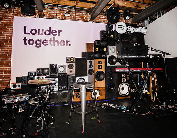 louder_05.jpg