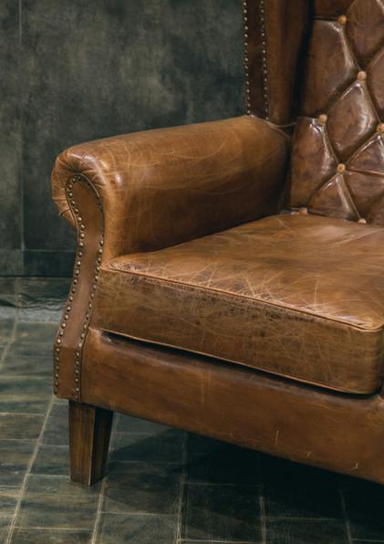 Sofas/Armchairs