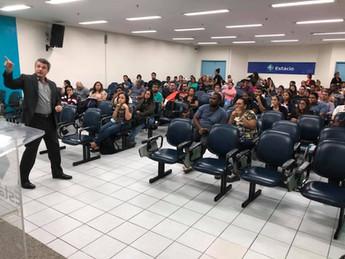 Eduardo Lemos ministra série de palestras para alunos da Estácio de Sá