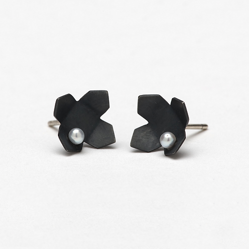 Urban Flower Studs with Pearl