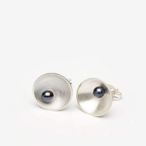 Sea Dish Studs with Pearl