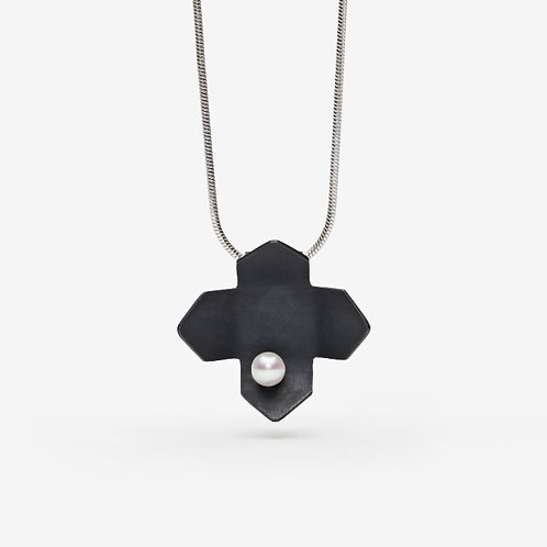 Black Urban Flower Necklace with Pearl