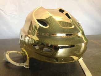 Золотой хоккейный шлем