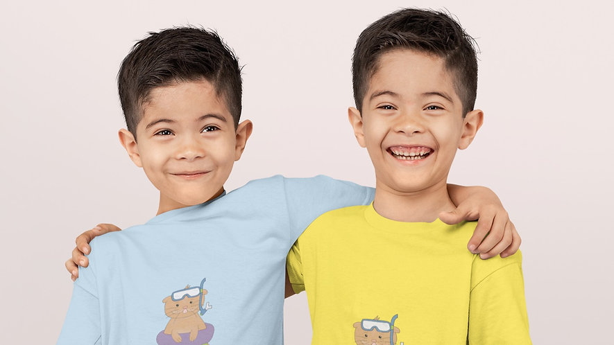 mockup-of-two-twin-boys-wearing-t-shirts