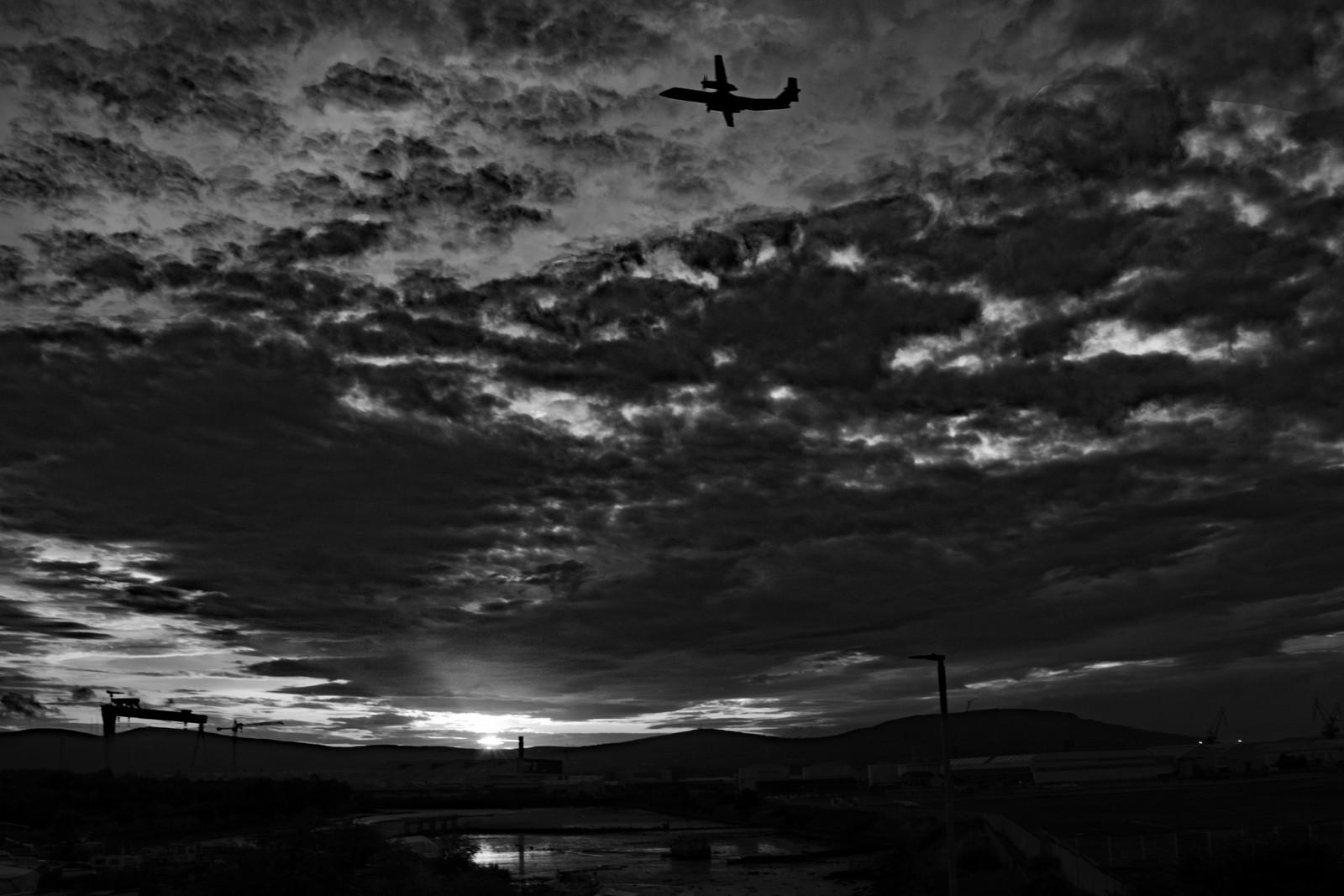MONO - Last Flight by Julian Maitland (6 marks)