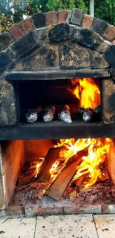 石窯で焼き芋.jpg