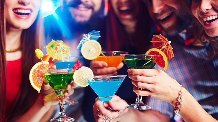 open bar barmen drinks festa brasilia df