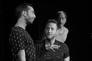 יונתן גרובר במופע אילתורים של שלופתא בתיאטרון הבימה
