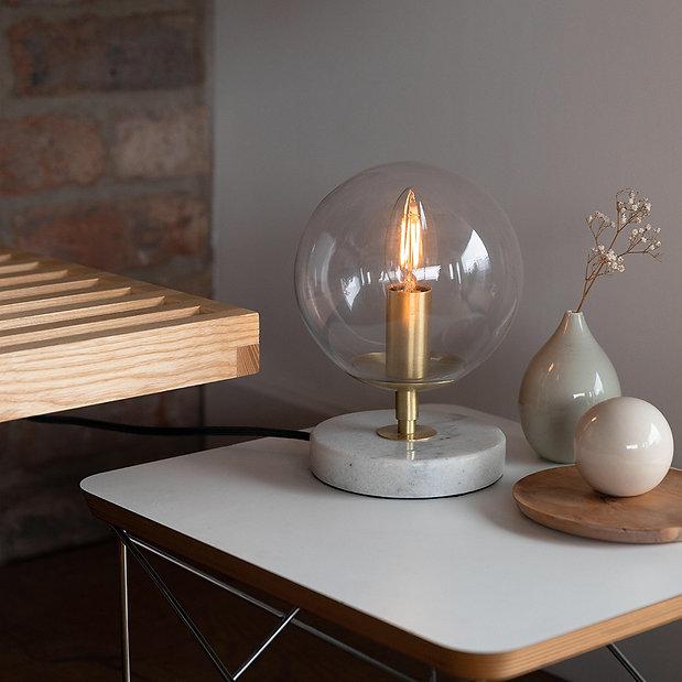 candle-led-Classic-bulb-lifestyle-2.jpg