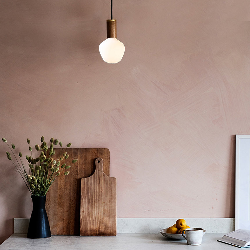 Enno-bulb-walnut-Pendant-on.jpg