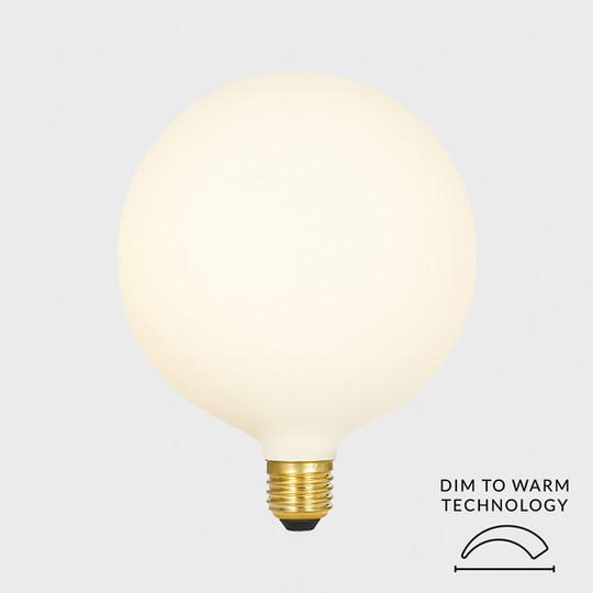 Sphere-IV-dim-to-warm-tala-LED-lighting.