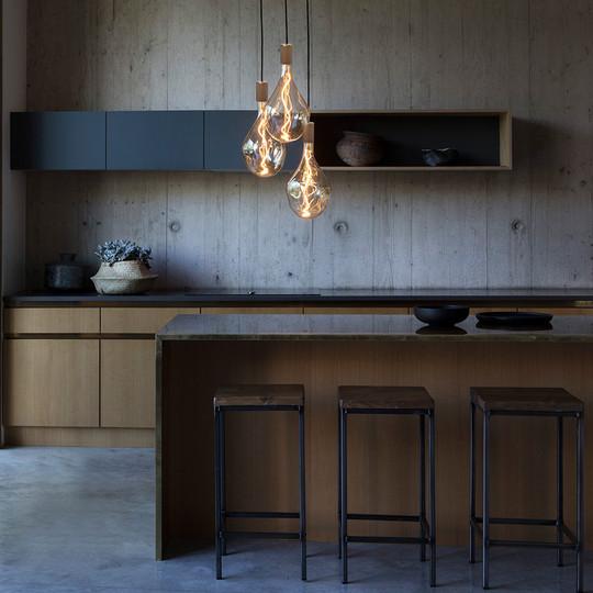 Voronoi-3-decorative-led-bulb-oak-lifest