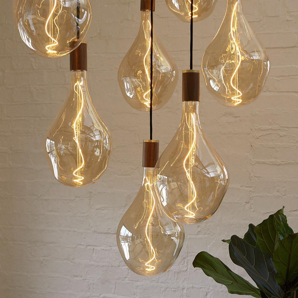 Voronoi-3-decorative-led-bulb-lifestyle-