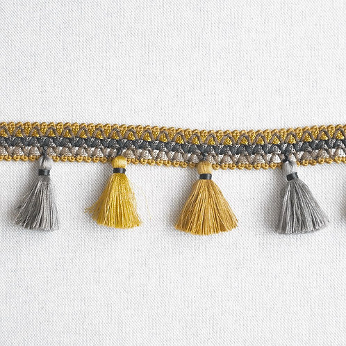 Тесьма плетёная с кистями
