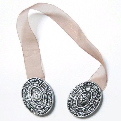 """Медальон"""