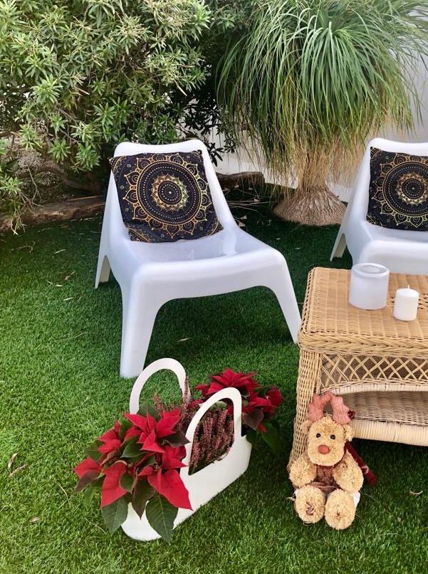 Te amplio la imagen para que veas lo exótico y bonito de la mezcla de nuestro concepto navideño con el toque árabe.