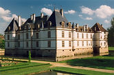 Cormatin_Chateau_01.jpg