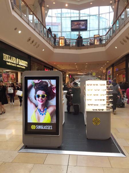 led-slimline-digital-signage-advertising