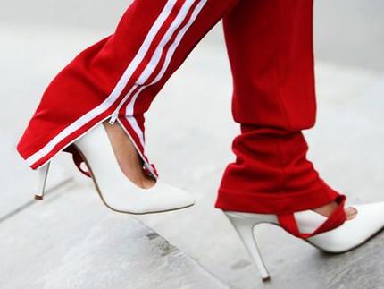 Yes ! Sport Pants and Heels. Parece estranho, mas fica lindo!